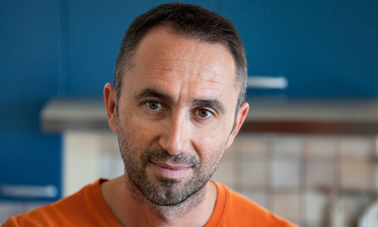 The Dubrovnik Times: VEDRAN MEZEI - if your vacation lasts seven days - you read one story each day